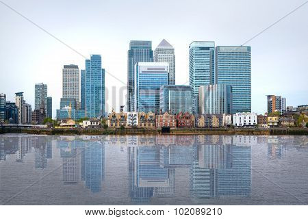 London, financial hub Canary Wharf view and river Thames