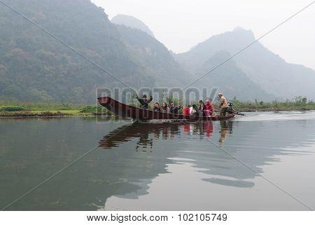 Red River, Vietnam