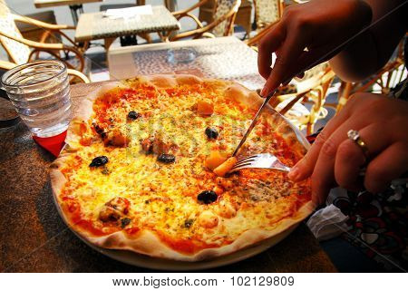 Pizza In Pizzeria