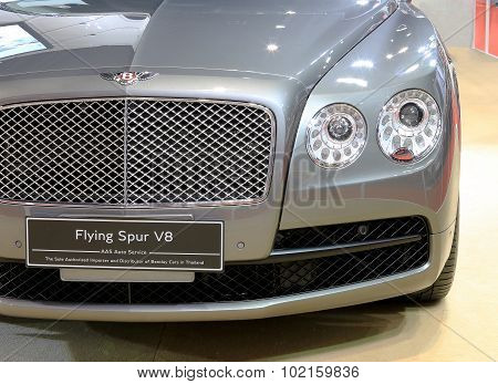Headlight Of Bentley Series Flying Spur V8  Luxury  Car