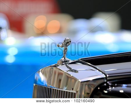 Logo Of Rolls Royce On Bumper