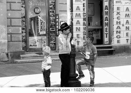 Black and white children on the street