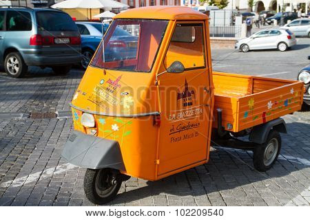 Food Delivery Car
