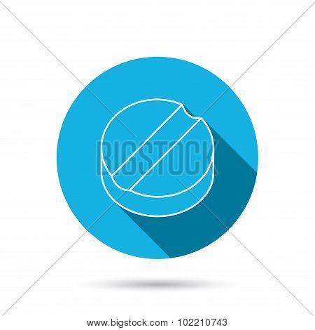 Tablet icon. Medicine drug sign.
