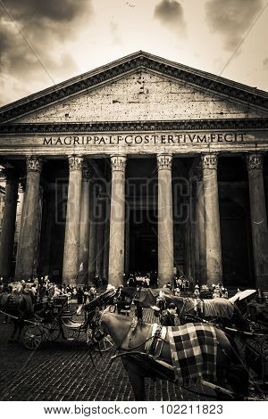 Rome, Italy - October 29: Many Tourists Visit The Ancient Pantheon