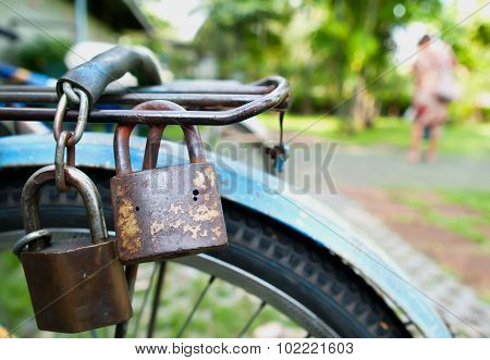 Latch, Lock, Padlock