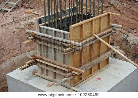 Column stump formwork made from timber and plywood