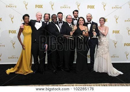 LOS ANGELES - SEP 20:  VEEP Cast and Producers at the Primetime Emmy Awards Press Room at the Microsoft Theater on September 20, 2015 in Los Angeles, CA