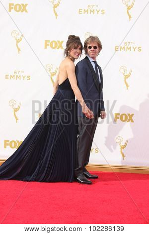 LOS ANGELES - SEP 20:  Felicity Huffman, William H Macy at the Primetime Emmy Awards Arrivals at the Microsoft Theater on September 20, 2015 in Los Angeles, CA