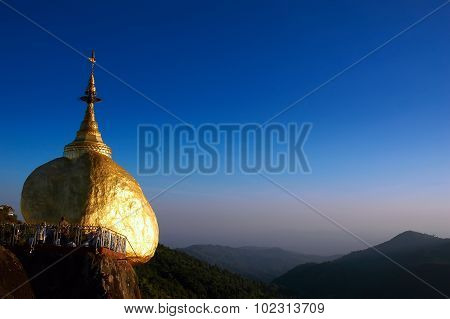 Golden Rock, Kyaikhtiyo, Myanmar