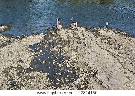 the dry riverbed of the Elbe