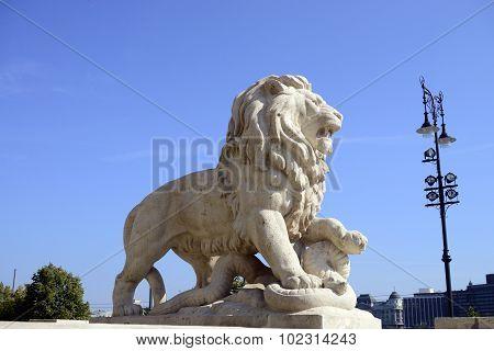 Budapest Lion