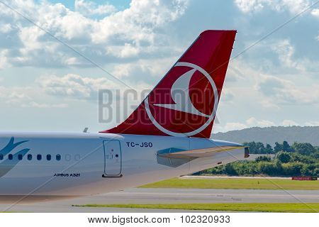 Turkish Airlines Airbus A321 Tail