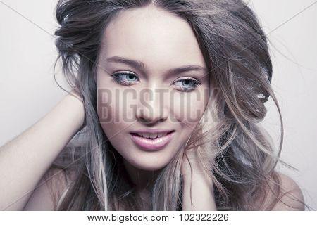 make up face and shine hair