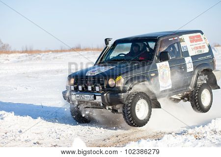 Khabarovsk, Russia - January 31, 2015: Old Mitsubishi Pajero Jumping During Off Road Winter Sprint R