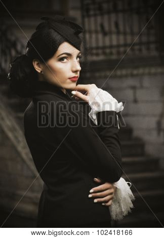 Young woman in retro styled costume (ancient version)