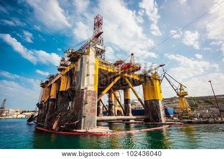 oil offshore platform in repair, Malta