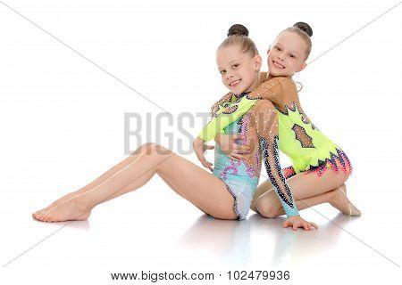 sister gymnast
