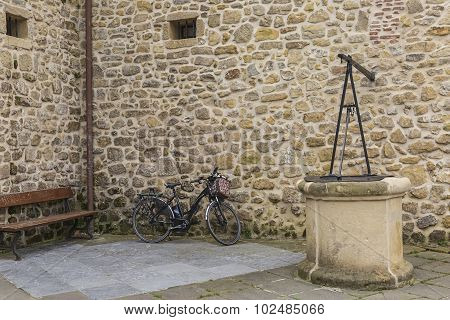 Wall Of Stone-bicycle-wel