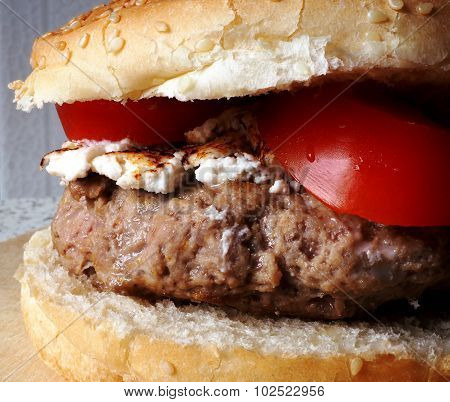 burger ricotta and tomato