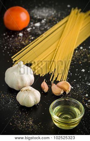 Spaghetti Ingredient Background / Spaghetti Ingredient / Spaghetti Ingredient On Black Background