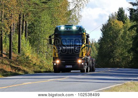 Scania R500 Tank Truck Headlights