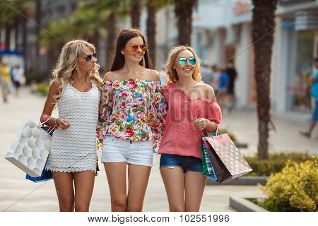 Shopping in the resort for women travelers