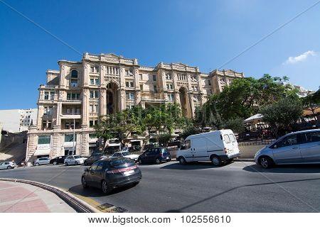 Balluta Square Building