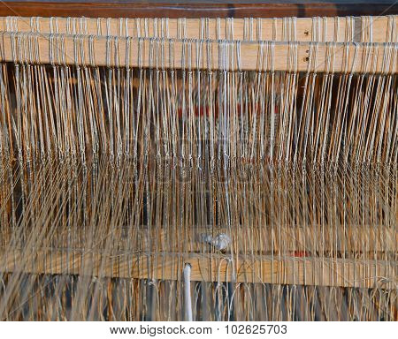 Textile Loom For Weaving Of Yarns Of Cotton And Wool
