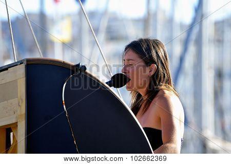 Singer Gave A Concert On An Old Sailboat