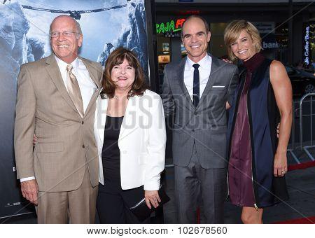 LOS ANGELES - SEP 09:  Michael Kelly, Karyn Kelly, Maureen Kelly and Michael Kelly