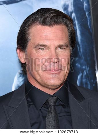 LOS ANGELES - SEP 09:  Josh Brolin
