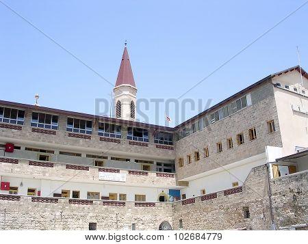 Akko Terra Sancta School 2004
