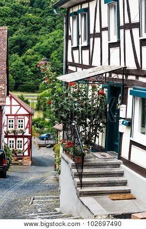 A steep alley in the old town of Ortenberg, Germany