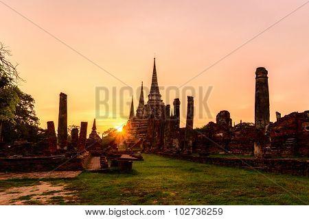 Wat Phra Sri Sanphet At Sunset In Ayutthaya Historic Park