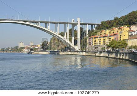 The Arrabida Bridge