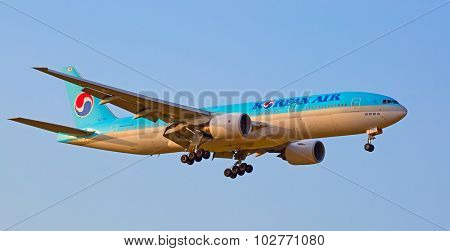 ZURICH - JULY 18: Boeing-777 Korean air landing in Zurich after short haul flight on July 18, 2015 in Zurich, Switzerland. Zurich airport is home for Swiss Air and one of biggest european hubs.
