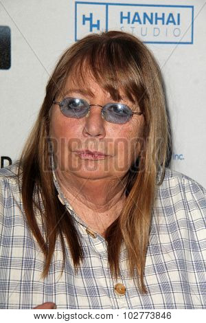 LOS ANGELES - SEP 24:  Penny Marshall at the Hollywood Film Festival Opening Night Red Carpet at the ArcLight Theater on September 24, 2015 in Los Angeles, CA
