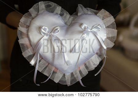 Cushion for wedding rings