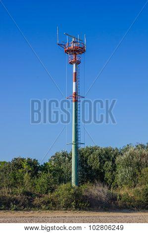Tall antenna tower