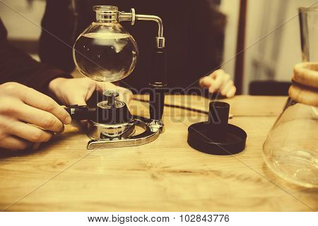 Preparation of vacuum coffee