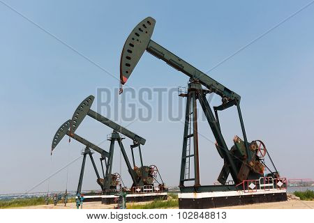Green Oil Pump Of Crude Oilwell Rig