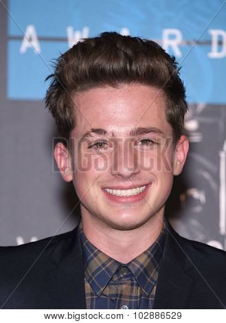 LOS ANGELES - AUG 30:  Charlie Puth 2015 MTV Video Music Awards - Arrivals  on August 30, 2015 in Hollywood, CA