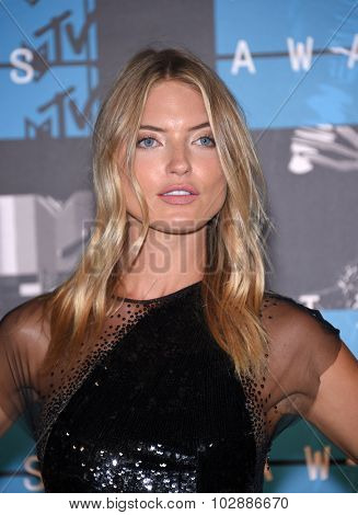 LOS ANGELES - AUG 30:  Martha Hunt 2015 MTV Video Music Awards - Arrivals  on August 30, 2015 in Hollywood, CA