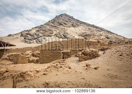 Temple of the Sun (Huaca del Sol).