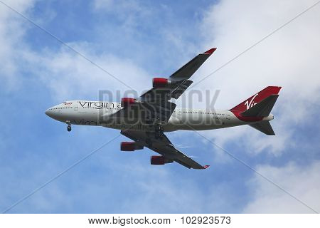 Virgin Atlantic Boeing 747 descending for landing at JFK International Airport in New York