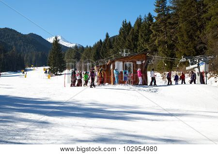 Skiers at the draglift in Bansko, Bulgaria