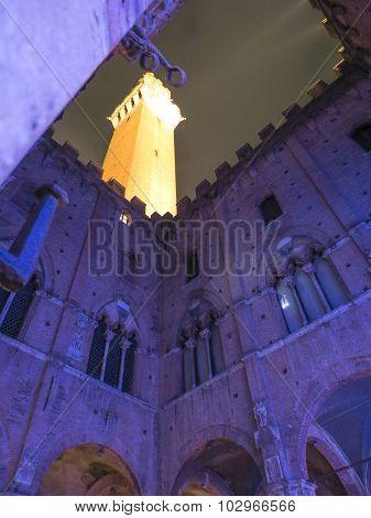 Siena, Town Hall Inner Yard