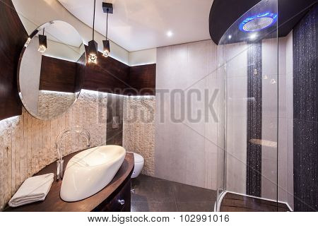 Modern And Functional Bathroom