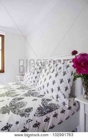 Black And White Decorative Bedding